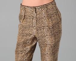 Яркие брюки с принтами