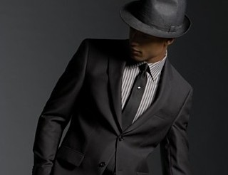 Индивидуальный стиль в классической одежде мужчины