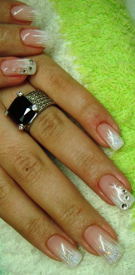 Дизайн ногтей с черным френчем фото